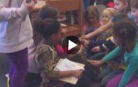 Västgötaspetsen Tiwas hjälper barnen att läsa