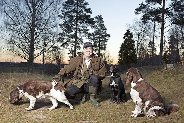 Anders Borg med sina hundar