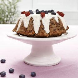 Vilken tårta! Man blir frestad att ta en bit själv, men ingredienslistan avslöjar att den är avsedd för hundars smaklökar.