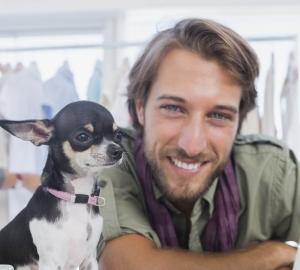 2. Du och din hund pratar alltid om allt möjligt med varandra.
