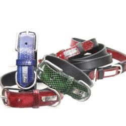 Lyxigt hundhalsband i läder  prytt med färgat ormskinn (vattensnok). Designat av DOGArtist. Pris 720 kr. Köp via www.petdesign.se