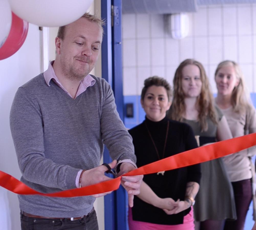 Hundkontoret invigdes i fredags med ballonger och bandklippning