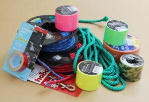lina, tejp, kabinhake, tejp och tändare för att göra din egen långlina
