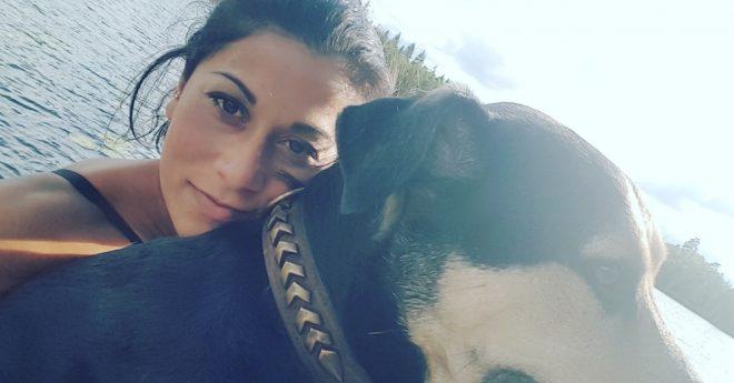 Carro och hennes fina hund Koi