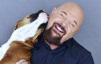 Hundkärlek i Anders Bagges självbiografi